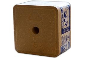 Фелуцен солевой лизунец с минералами универсальный для КРС, коз и овец (для держателя), 5 кг